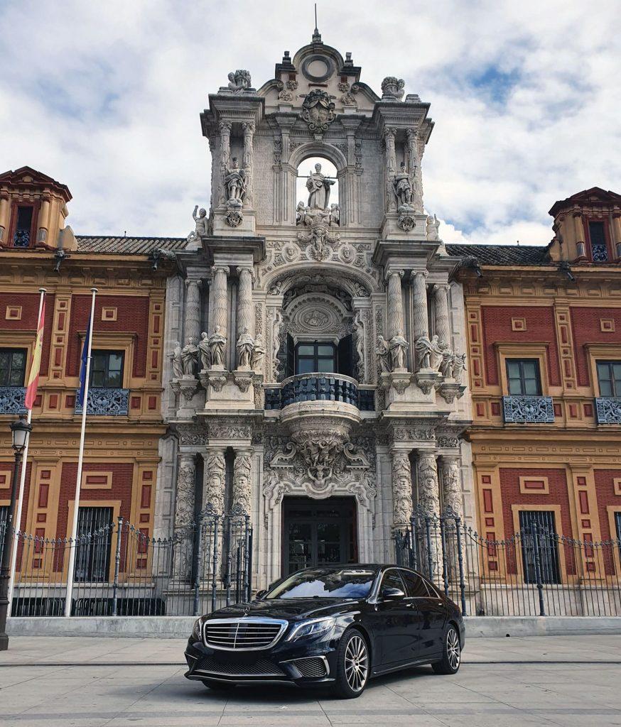 Coches con conductor en Sevilla