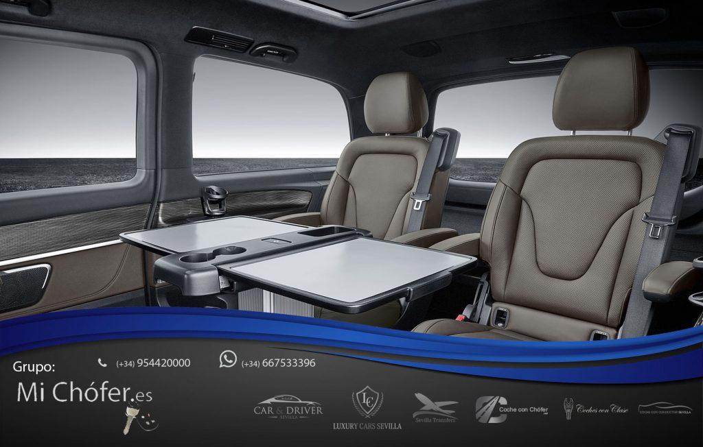 Oficina móvil en la Mercedes Clase V